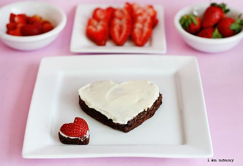 Heart Shaped Brownie Pizza!