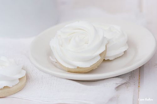 IMG_6818.buttercreamrosecookie