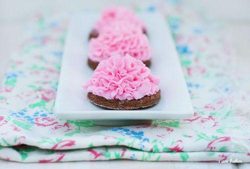 IMG_8031.buttercreamsugarcookies